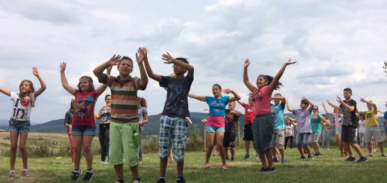 Dancing on the Square | Fun camp in Hollókő | 2016